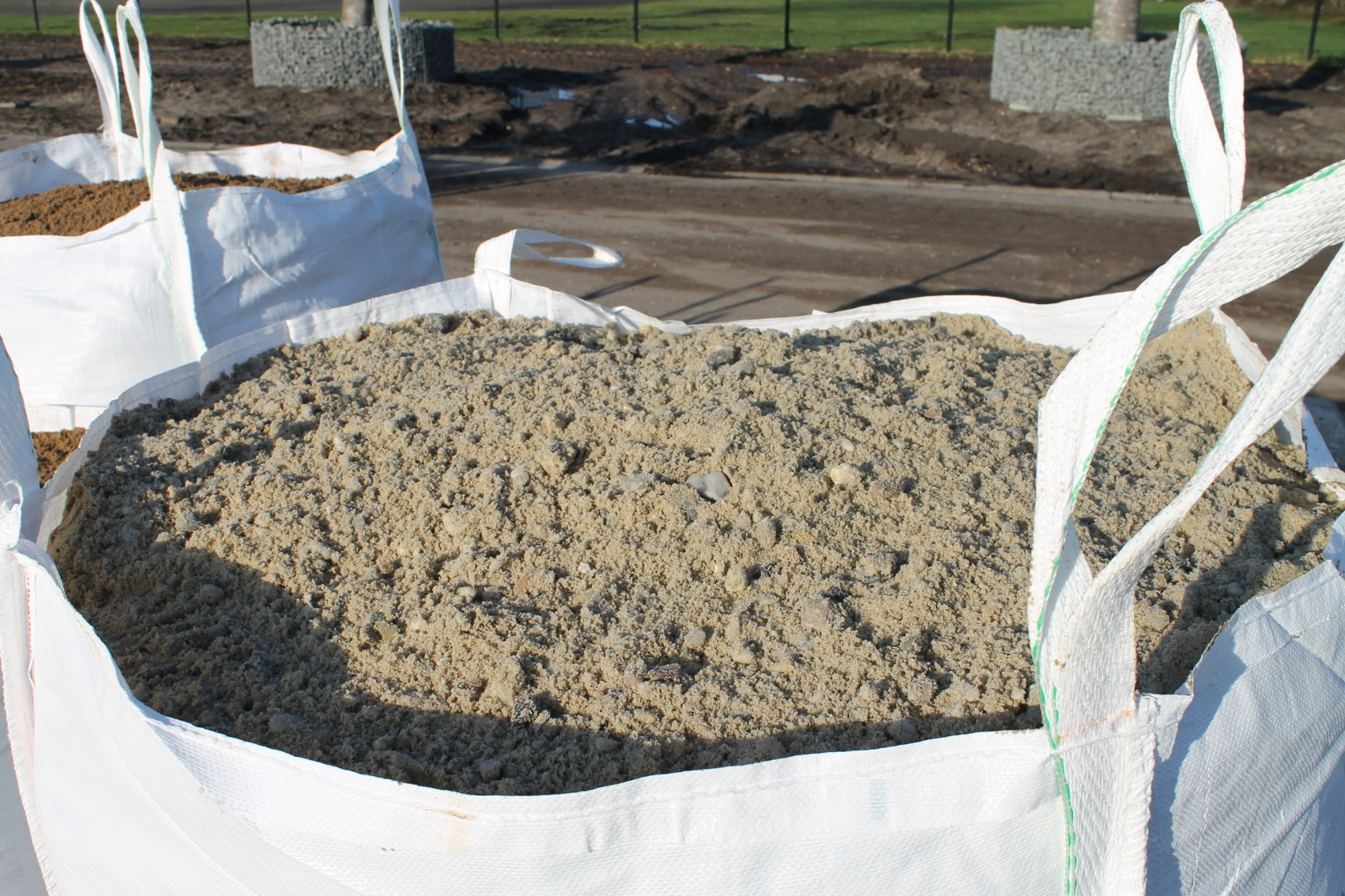 Grind-zand 0-16mm en Cement voor beton